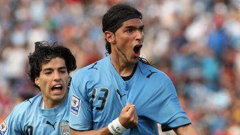 Se retira el jugador récord: el Loco Abreu dice adiós jugando en primera y vigente