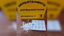 insolito: llevaban cocaina a un preso en un cargador de celular