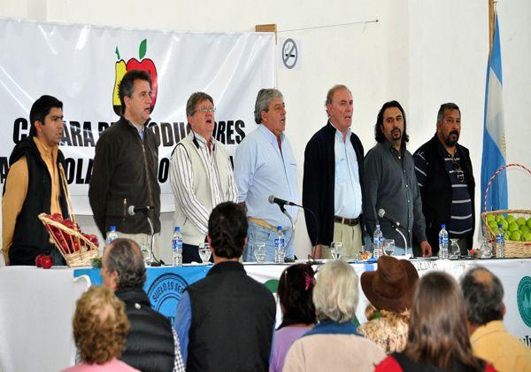 Más de 400 productores participaron de la reunión en Río Colorado