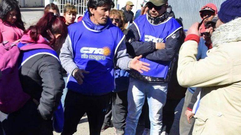 Se entregó el dirigente social que era buscado por los disturbios en Roca