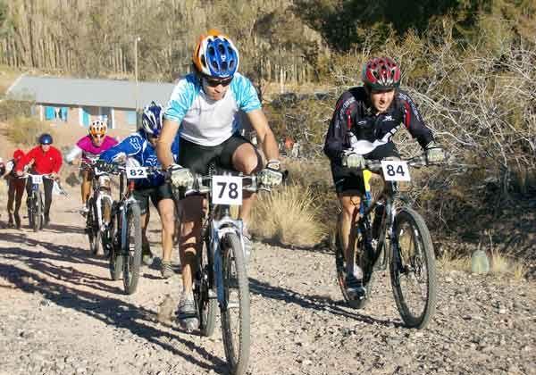 En Oro larga el patagónico de ciclismo de montaña