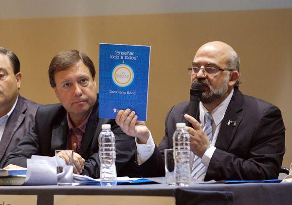 Weretilneck recibió el anteproyecto de la Ley Orgánica de Educación