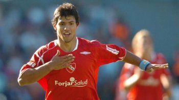 Sergio Agüero, goleador top de Europa, salió del Rojo, que sueña con repatriarlo.