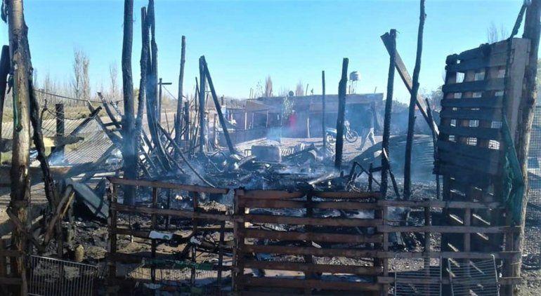 Un adolescente de Oro sufrió graves quemaduras al incendiarse una casa