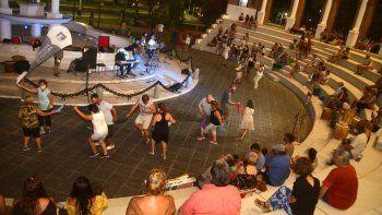 los shows con publico se empiezan a multiplicar en la ciudad