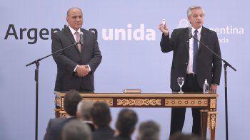 Alberto en la jura del nuevo Gabinete: Debatimos de cara a la gente