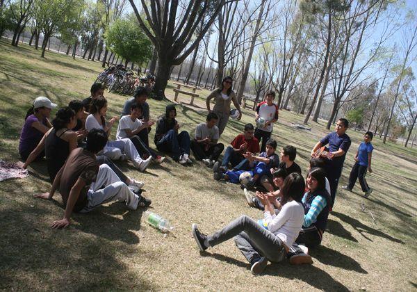 Festejos del Día del Estudiante en la Isla Jordán