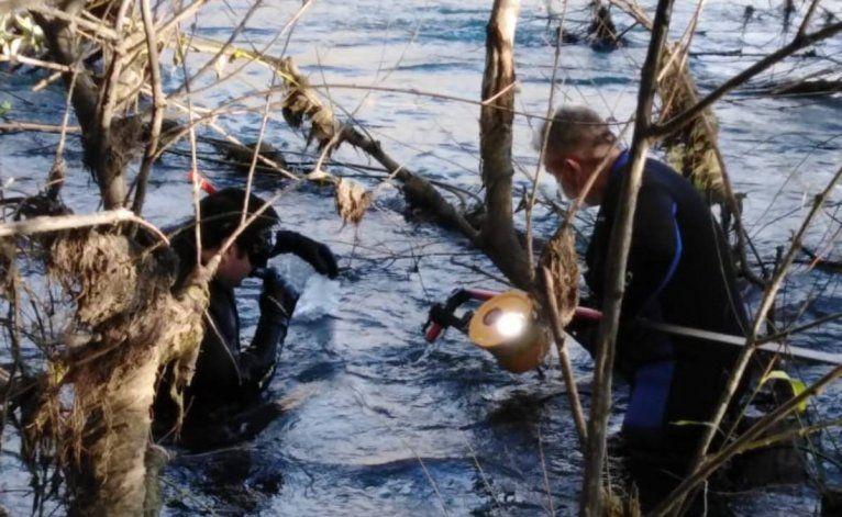 No hay rastros del hombre que se tiró al río Neuquén