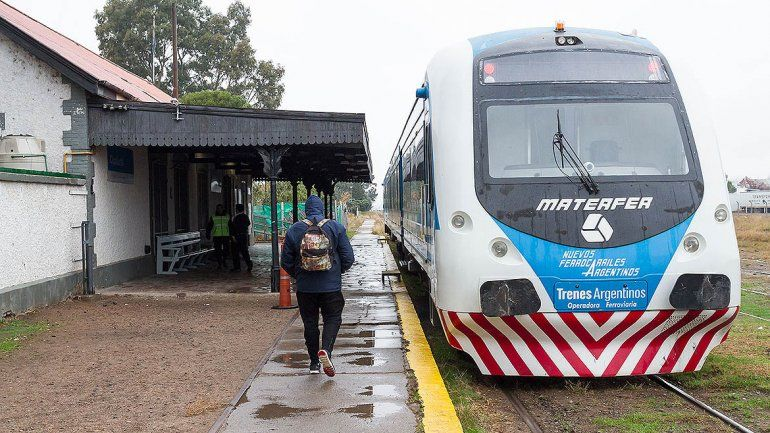 Modificaron algunos horarios del servicio del Tren del Valle