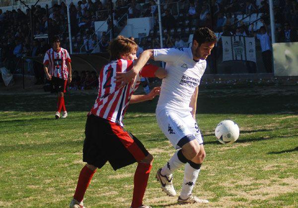 Petti entrega los goles a domicilio