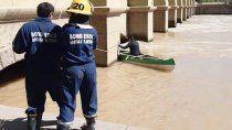 rescatan a perro atrapado en el dique ballester