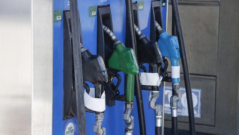 Cipolletti: sin nafta por los cortes de ruta en varias estaciones de servicio