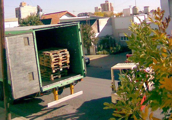 Sin solución por camiones en la calle