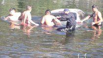 cipoleno dejo el auto sin freno de mano y termino en el rio
