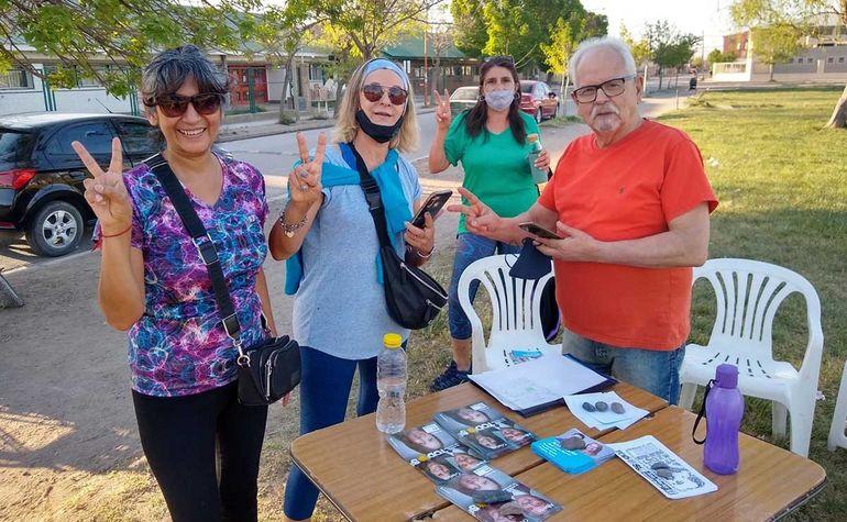 Casa por casa, en busca de asegurar el voto peronista