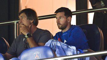 Messi, este sábado mirando desde un palco el triunfo del PSG.
