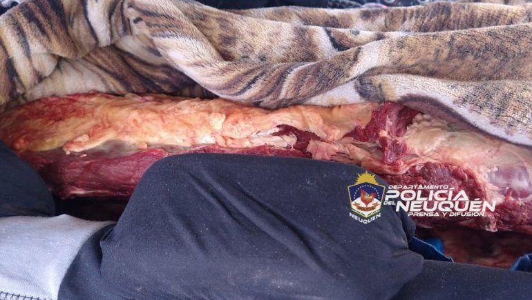 Las Perlas: trasladaban 100 kilos de carne adentro de un auto