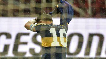 La historia de la camiseta con la que Tevez homenajeó a Diego