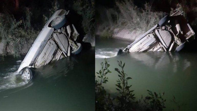 Cayó con su auto a un canal de Vista Alegre y está desaparecido