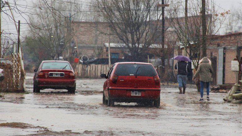Tres familias evacuadas y 91 asistencias por las inundaciones