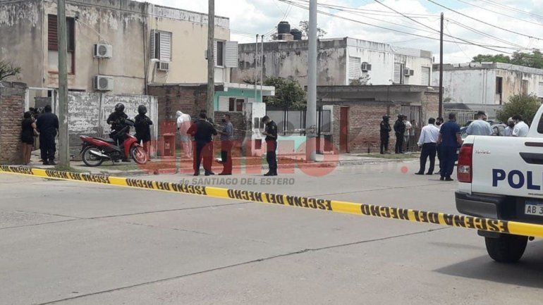 Conmoción: asesinó de 12 puñaladas a su hijo de tres años