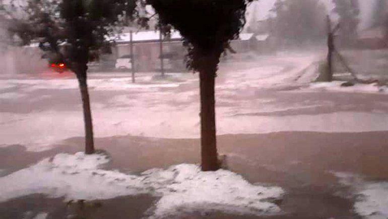 La tormenta de lluvia y granizo azotó al Valle Medio
