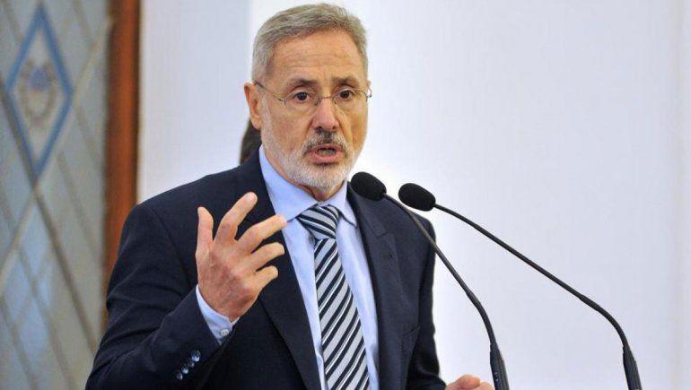 La polémica frase de un ministro santafecino: No solo traemos a estos chetos, usamos los testeos con ellos