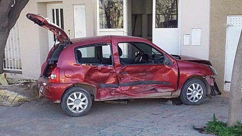 El conductor descontrolado del Clío era un adolescente
