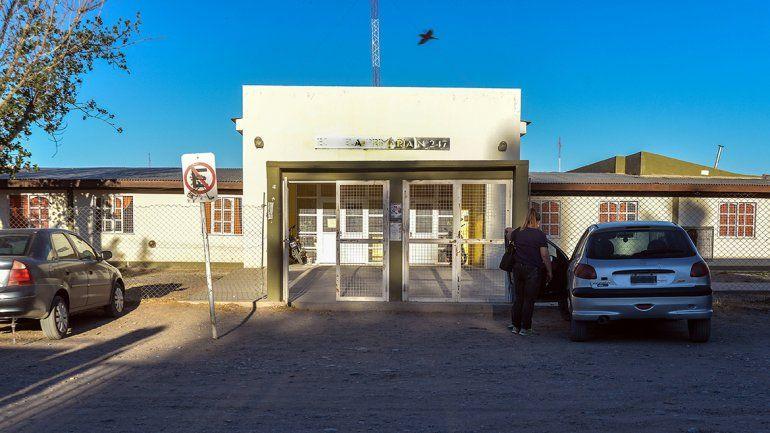 En la comunidad perlense hay una gran inquietud por lo acontecido en el edificio escolar.