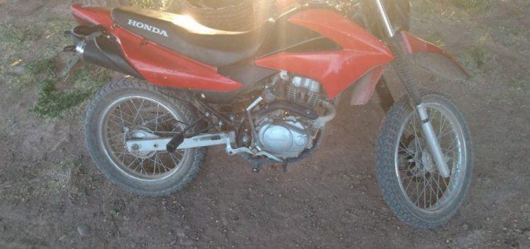 Una joven fue detenida por circular en una moto robada