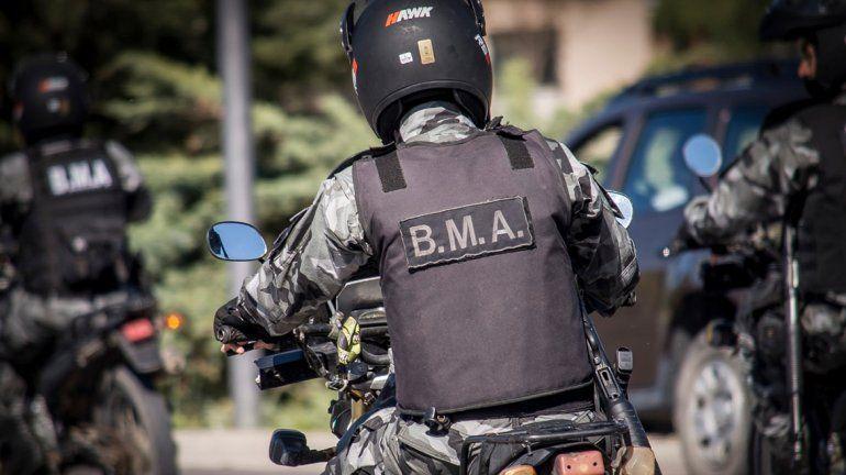 Atraparon a un adolescente a bordo de una moto robada en Cipolletti