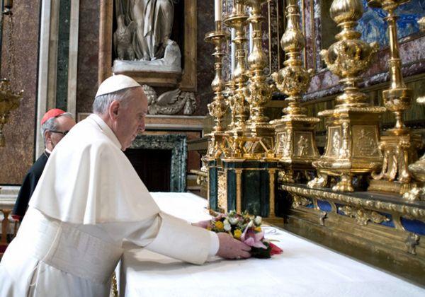 Francisco oficia su primera misa para los cardenales