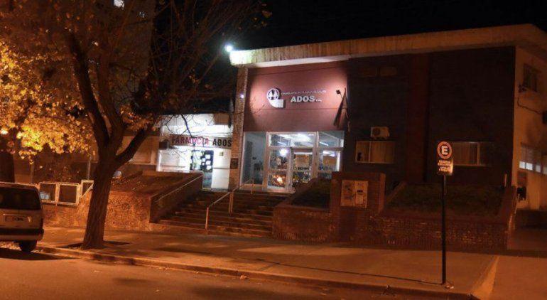El brote en ADOS llegó a Cipolletti: hay tres empleados administrativos y dos contactos estrechos con Covid-19
