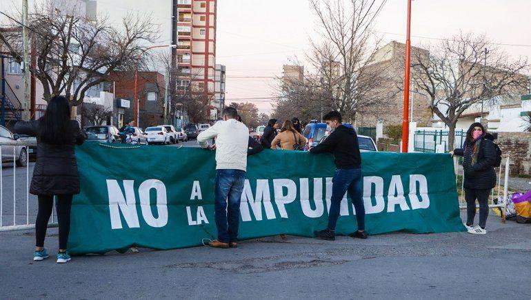Femicidio de Agustina: familiares y organizaciones protestan en Tribunales