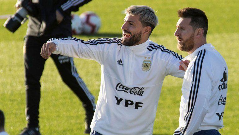Kun Agüero dio positivo de COVID y no viaja con la Selección