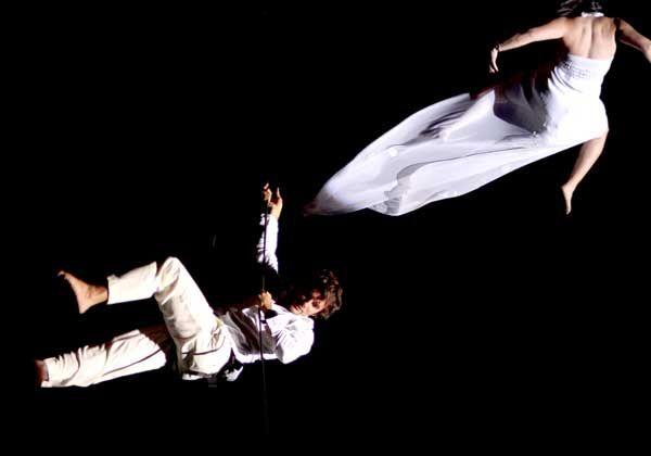 Ya llega la danza aérea interactiva