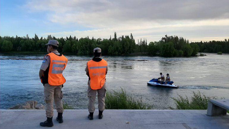 Continúa la búsqueda del adolescente que desapareció en el río
