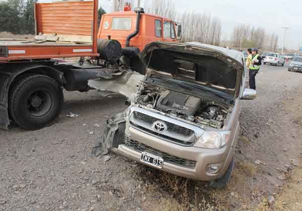 Violento choque involucró a tres vehículos en Ruta 65