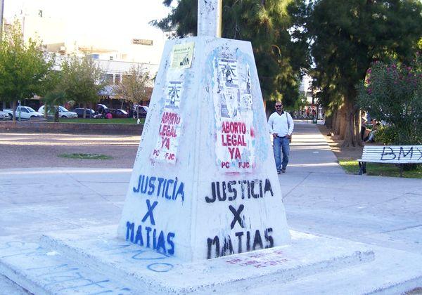 El tiempo y las agresiones deterioran los monumentos