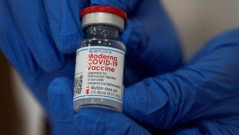 La ANMAT no deberá registrar la vacuna de Moderna para aplicarla