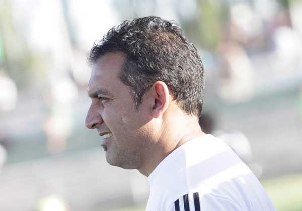 Parra sigue como DT en Fernández Oro