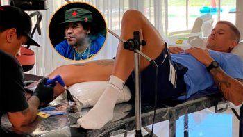 El tatuaje maradoniano y bostero del defensor mundialista que llegaría a Boca