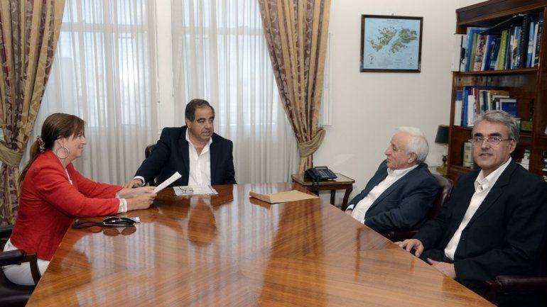 Reunión con el Ministro de Defensa de la Nación Julio Martínez