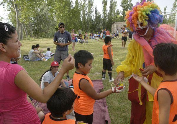 Niños y niñas disfrutaron una tarde feliz en El 30
