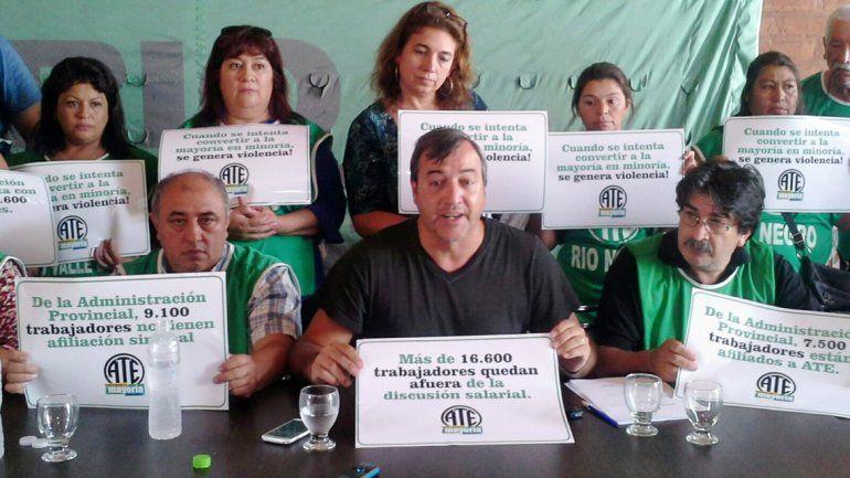 Referentes de ATE exigen que los llamen a negociar salarios.