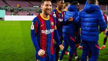 La chicana de Messi a dirigentes de Sevilla: Se van calentitos