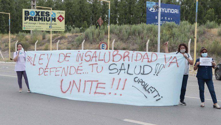 Hospitalarios amenazan con ir a un paro en toda la provincia