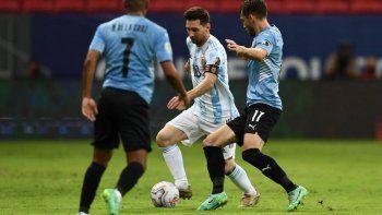 Con Messi, clásico rioplatense en el Monumental: hora, formaciones y TV