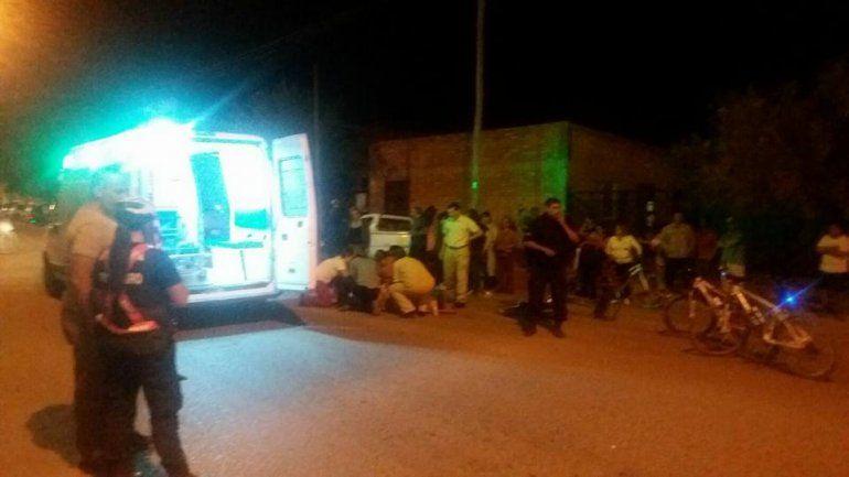 En la esquina de Bolivia y Estrada se registró el accidente de tránsito entre un motociclista y un ciclista.