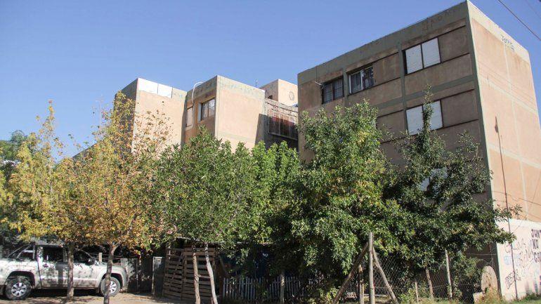 El fuego destruyó un departamento en las 200 viviendas